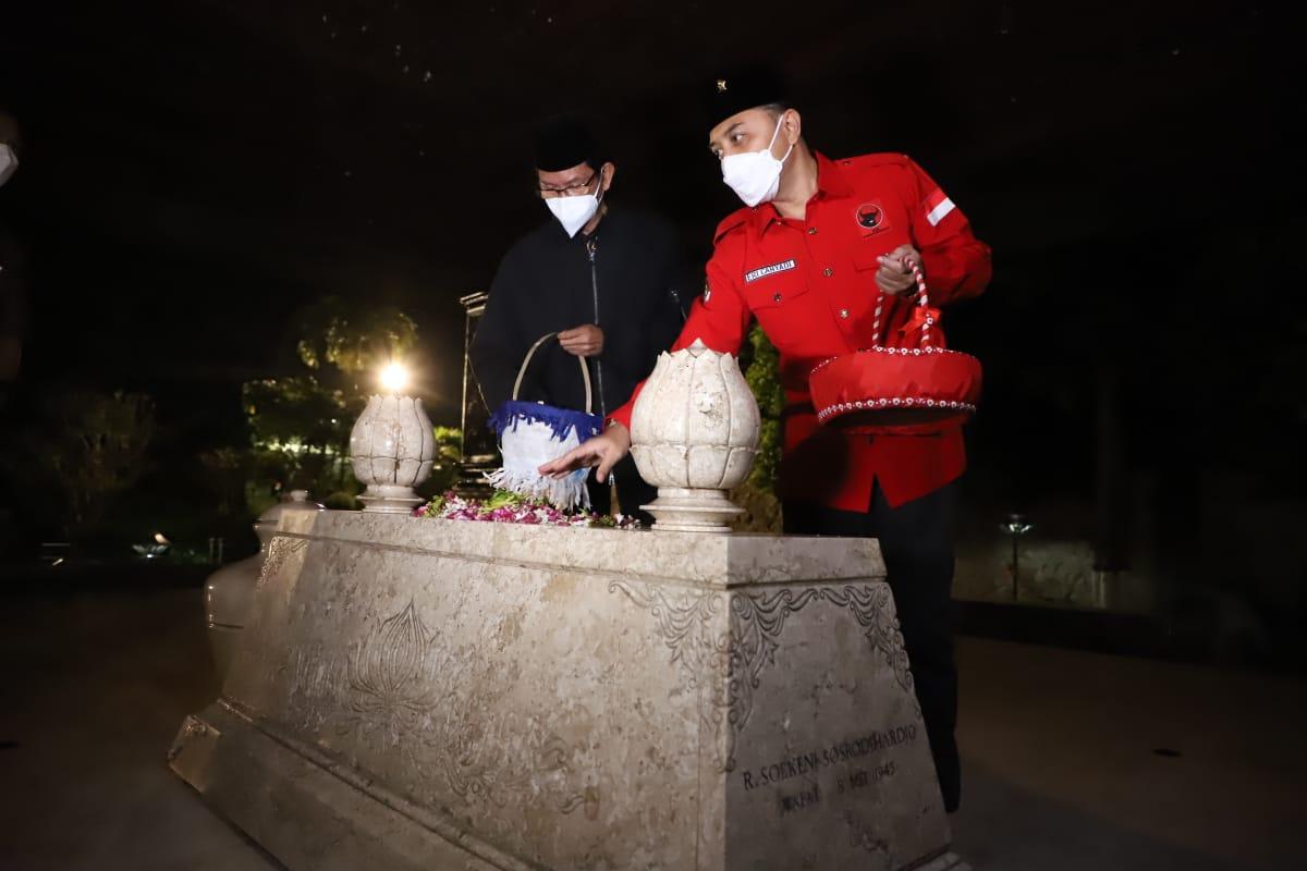 Nyekar ke Makam Bung Karno, Wali Kota Eri Doakan Warga Surabaya