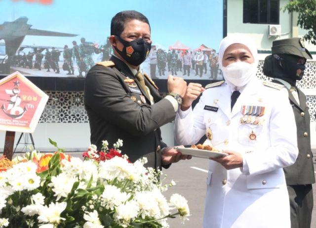 HUT TNI ke-76, Gubernur Khofifah: Kontribusi TNI selama Tangani Pandemi Covid-19 Luar Biasa