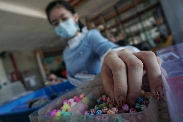 FOTO: Bisnis Konektor Masker Menjanjikan saat Pandemi Covid-19