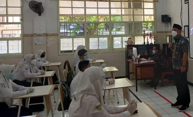 Jadi Guru SMP, Eri Cahyadi Pastikan Sekolah Tatap Muka Mulai Juli 2021