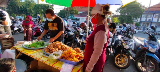 Martabak Mie, Gorengan Idola Berbuka Puasa Kawula Muda Surabaya