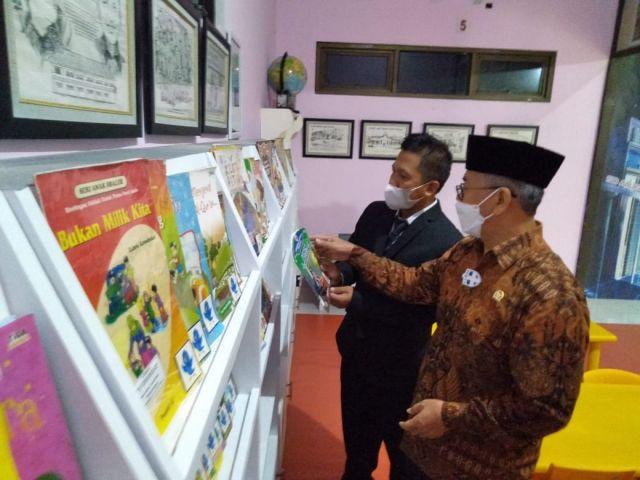 Enam Bulan, 11 Buku Karya Siswa SD Muhammadiyah 1 Gresik Dicetak