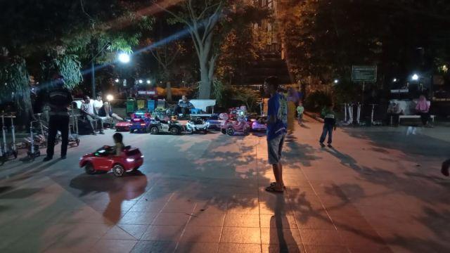 Satpol PP Tulungagung Tertibkan Penyewaan Mainan Anak di Alun-Alun