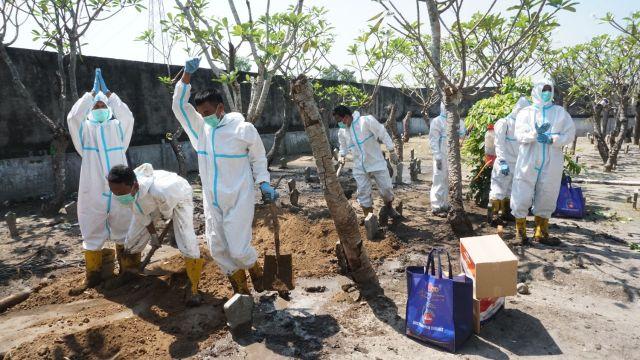 Pemakaman Pasien Covid-19 di Tulungagung Diduga jadi Ajang Bisnis, Keluarga Korban Dibebani Uang Jutaan Rupiah!