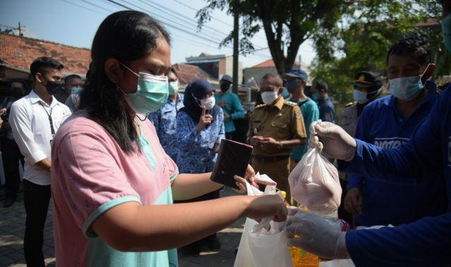 Operasi Pasar Sasar 31 Kecamatan Surabaya, Segini Harga Sembako Dijual