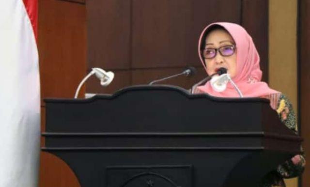 Rapat Malam Hari, Bupati Jombang Pasrah ke DPRD soal Dua Raperda