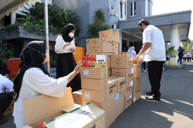 Berbagai Stakeholder Bersama-sama Beri Bantuan Penanganan Covid-19 di Surabaya