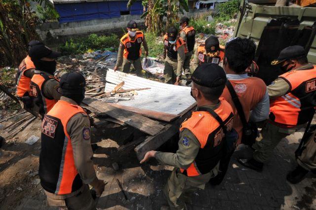 FOTO: Penertiban Bangli di Surabaya