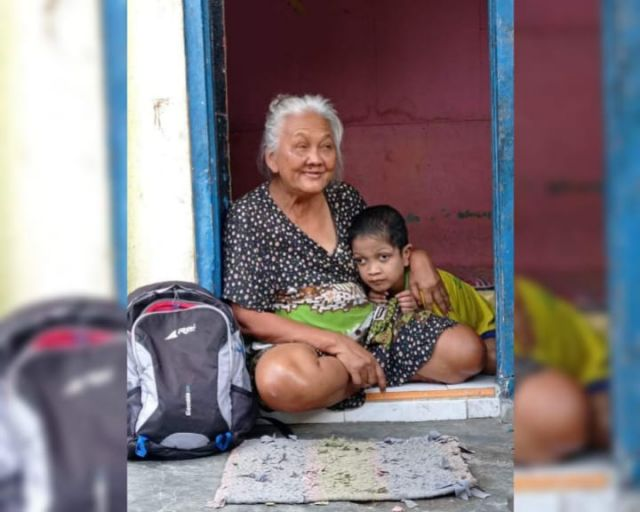 Dihimpit Kemiskinan, Mbah Parmi Ikhlas Merawat Bocah Difabel Fauzi