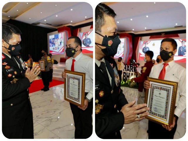 Hari Bhayangkara, AKBP Oki Ahadian dan Kompol Daniel Terima Penghargaan Kapolda Jatim