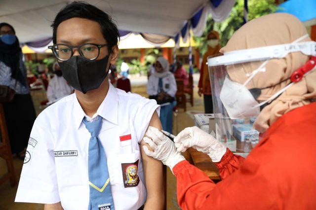 1,3 Juta Anak SMA, SMK, dan SLB Jawa Timur jadi Sasaran Vaksinasi Pelajar