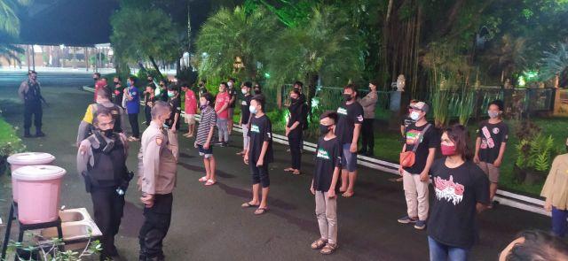 Rayakan Malam Tahun Baru, Puluhan Remaja Digaruk Polisi
