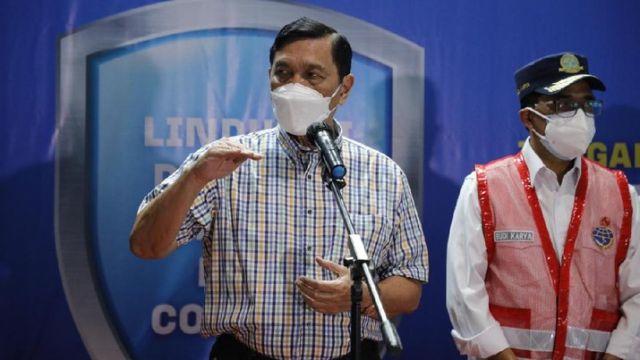 Rapat bareng Influencer, Luhut Panjaitan: Kurangi Mencuci Tangan pakai Hand Sanitizer