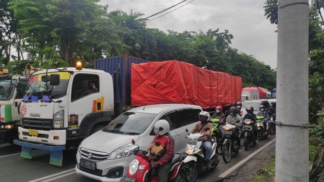 Video : Jalan Protokol di Surabaya Macet Imbas Jalan Tol Tutup