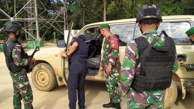 TNI Gagalkan Penyelundupan Mobil Mewah dari Malaysia Masuk ke Indonesia