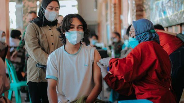 Vaksinasi Covid-19 Dosis Pertama di Jatim Baru Sasar 28 Persen Warga, Satgas: Tak Semua Daerah punya Sentra Vaksinasi
